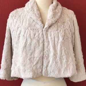 Cabi Cropped Faux Fur Bolo Jacket Size Small